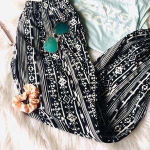Pants - {Boutique} Black and White Aztec pattern Joggers